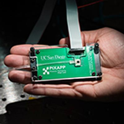 Engineers developing education kit to teach students practical skills in integrated photonics