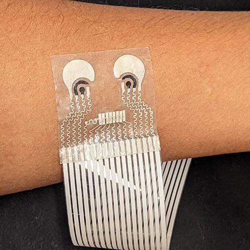 New skin patch brings us closer to wearable, all-in-one health monitor